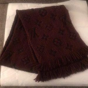 Louis Vuitton winter scarf